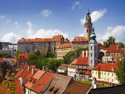 ひとり旅♪KLMオランダ航空 美しい中世の街並み残すチェコ2都市周遊♪世界遺産都市「プラハ」&「チェスキー・クルムロフ」6日間