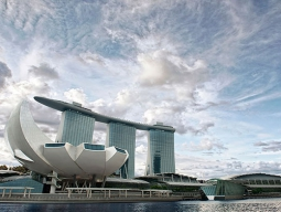 ラクラク直行便シンガポール航空で行く★欲張りホテル分泊プラン♪価格重視のエコノミーホテル1泊&マリーナベイサンズ1泊!4日間