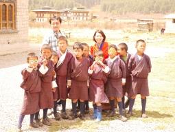 ひとり旅!《神秘の国ブータンへ》本当のブータンを知る4都周遊&自然と共存する村にホームステイで農村体験!8日間☆安心の専用日本語ガイド同行