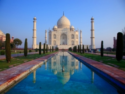 【各日5席限定特別価格!】初めてインドの決定版!最速列車で行くタージマハル観光×飛行機移動で楽々ガンジス観光 インドエッセンス凝縮の濃厚5日間