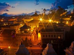 《盛りだくさん!お得にネパールへ》神秘のヒマラヤ朝日観賞・バクタプール&パタン観光つき◆安心の日本語ガイド同行/スタンダードクラス滞在5日間