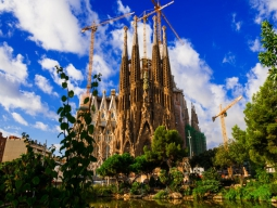 【成田発】エミレーツ航空で行く♪最西端のポルトガル2都市と王道スペインを巡る☆リスボン&ポルト&バルセロナ8日間 料金重視のお得プラン