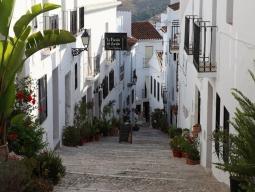 特別企画!!出発日限定の大注目ツアー♪一度は行ってみたい☆スペインのアンダルシアを周遊♪バルセロナ街歩き観光付き♪きらめきの8日間