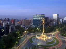 芸術の街メキシコシティ イメージ1