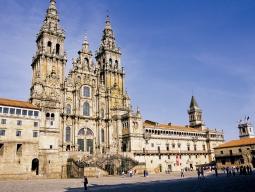 スペインの魅力再発見!世界遺産の街サンティアゴデコンポステーラで美食旅**マドリード&バルセロナで街歩きも♪≪ターキッシュエアラインズ利用≫