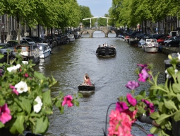 往復直行便のKLMオランダ航空で行く★絵本の世界のような美しい街並みと芸術に触れる アムステルダム5日間