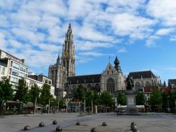 名古屋発着<ベルギー周遊>KLMオランダ航空で行く★美しい中世の街並みが残るブリュッセルと「フランダースの犬」の舞台アントワープを巡る6日間