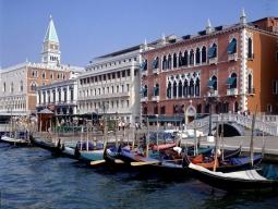 ★弾丸旅★≪☆カタール航空利用≫世界遺産美しい水の都「ベネチア島」!価格最重視の方に嬉しいお得にメストレエリアホテル滞在5日間