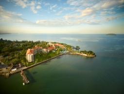 タイ航空でら夜便×大自然がギュッと凝縮♡Nature Island♪スタッフ一押し♪雄大な景色を一望!シャングリラ タンジュンアル3泊6日