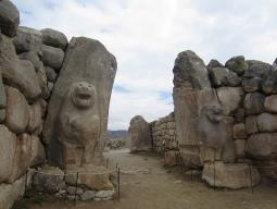 【トルコ世界遺産巡り】古代ヒッタイトの都に思いを馳せるハットゥシャシュ遺跡観光付き♪ 一度は行きたいカッパドキアでは洞窟ホテル宿泊!6日間